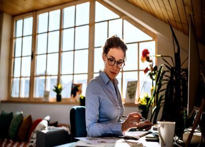 Como Trabalhar em Casa o Pode Ajudar a Poupar